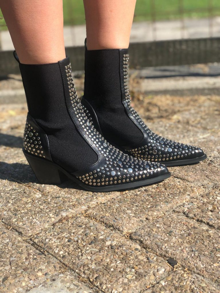 Shoes studs